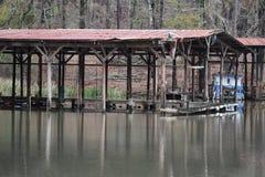 被放弃的湖 免版税库存图片