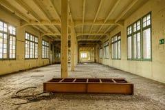 被放弃的烟草工厂在塔拉贡纳,西班牙 免版税库存照片