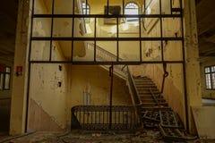 被放弃的烟草工厂在塔拉贡纳,西班牙 库存照片