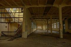 被放弃的烟草工厂在塔拉贡纳,西班牙 免版税库存图片