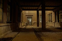 被放弃的烟草工厂在塔拉贡纳,西班牙 免版税图库摄影