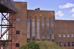 被放弃的煤炭电发电厂或发电站在东德 免版税库存照片
