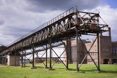 被放弃的煤炭电发电厂或发电站在东德 库存图片