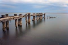 被放弃的码头 免版税库存照片