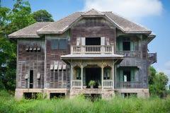 被放弃的老之家 库存图片
