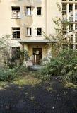 被放弃的老大厦 免版税库存照片
