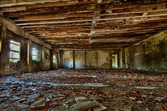 被放弃的老大厦 免版税库存图片