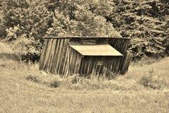 被放弃的老棚子 免版税库存图片