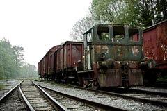 被放弃的老火车 免版税库存照片