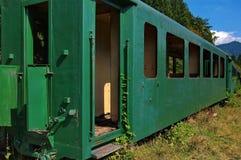 被放弃的老葡萄酒火车 库存图片