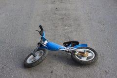 被放弃的自行车路 免版税图库摄影