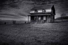 被放弃的被困扰的房子 免版税图库摄影