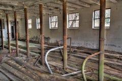 被放弃的谷仓内部  免版税库存照片