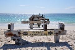 被放弃的跳船前面透视:Jurien海湾,西澳州 库存照片