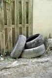 被放弃的轮胎 免版税库存照片