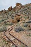 被放弃的金矿在莫哈韦沙漠 免版税库存图片