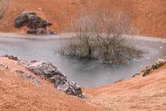 被放弃的铝土矿矿 GÃ ¡ nt,匈牙利 库存图片