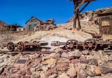 被放弃的鬼城白棉布,加利福尼亚,美国,在1881年建立,县现在停放 免版税库存照片