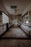 被放弃的医院- Brecksville退伍军人管理局-俄亥俄 免版税库存图片