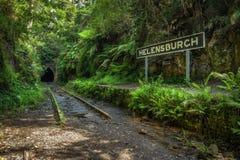 被放弃的Helensburgh火车站和隧道在悉尼附近 免版税库存图片