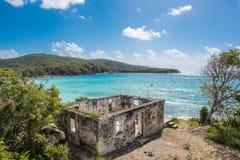 被日光照射了加勒比海湾 库存照片
