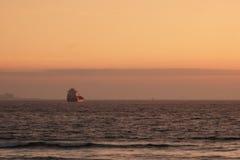 被日光照射了船 库存图片
