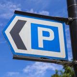 被显示的汽车概念有货币被支付的公园符号票您您 库存照片