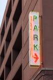 被显示的汽车概念有货币被支付的公园符号票您您 库存图片