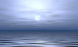 被月光照亮海洋 库存照片