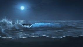 被月光照亮海浪 免版税库存图片