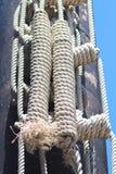被栓的船绳索,绳子 免版税库存照片