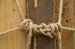 绳索被栓的结 库存照片