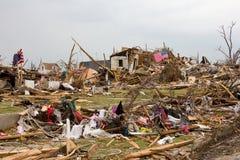 被毁坏的之家Joplin密苏里龙卷风标志 库存照片