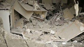 被毁坏的公寓在战争中 股票录像