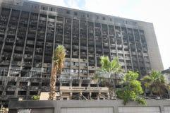 被毁坏的大厦在开罗 库存照片