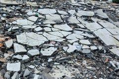 被毁坏的大厦破裂的地板  图库摄影