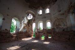 被毁坏的教会 库存图片
