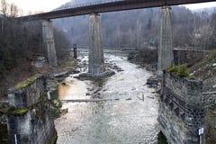 被毁坏的桥梁 库存照片
