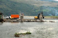 被毁坏的桥梁 免版税库存照片