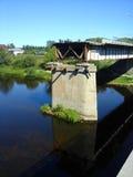 被毁坏的桥梁 库存图片