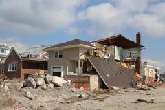 被毁坏的海滨别墅在飓风桑迪以后的四个月 图库摄影