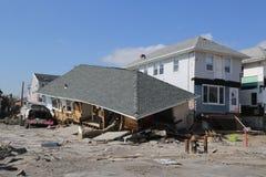被毁坏的海滨别墅在飓风桑迪以后的四个月 库存照片