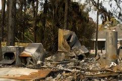 被毁坏的火房子 库存照片