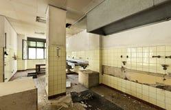 被毁坏的老厨房 库存照片