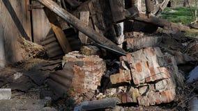 被毁坏的老砖家 影视素材