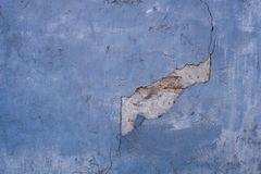被毁坏的蓝色装饰膏药纹理  r 库存图片