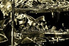 被毁坏的超级市场放火调查保险被烧的损坏的废墟  免版税图库摄影