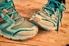 被毁坏的运动鞋 库存照片