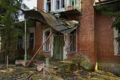 被毁坏的门廊庄园Dashkovs-Vyndomskih 纳布勒,列宁格勒地区 免版税图库摄影