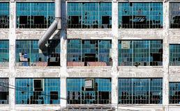 被毁坏的,被放弃的工厂在底特律 免版税库存图片